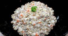 Majonézes-zöldséges lencsesaláta recept: Gyakran készítek majonézes salátákat, mert a családom nagyon szereti. Ez a majonézes-zöldséges lencsesaláta recept az egyik kedvenc ilyenkor az ünnepek közeledtével. Bármilyen sült vagy rántott hús mellé jól passzol, de egy kiflivel is finom vacsora lehet belőle. Akár a karácsonyi, vagy szilveszteri menüsor részévé is válhat. :) Food Humor, Funny Food, Creative Food, Grains, Food And Drink, Rice, Xmas, Diet, Christmas