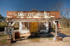 The Smut Eye Grocery store, Smut Eye, Alabama, United States, photograph by Pat Henson. Old Buildings, Abandoned Buildings, Abandoned Places, Old General Stores, Old Country Stores, Drive In, Old Gas Stations, Sweet Home Alabama, Shop Fronts