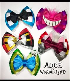 Alice, Grinning Cat, White Rabbit, Red Queen and the Hatter Inspired Hair Bow Collection Alice Cheshire Cat weißes Kaninchen Königin von PreciousWonderland Disney Diy, Disney Crafts, Disney Hair Bows, Hair Bow Tutorial, Disney Colors, Alice In Wonderland Party, Mad Hatter Tea, Diy Bow, Diy Hair Accessories