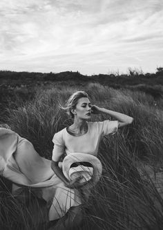 At the Beach: Amanda Rosborg By Heather Hazzan • Minimal. / Visual.