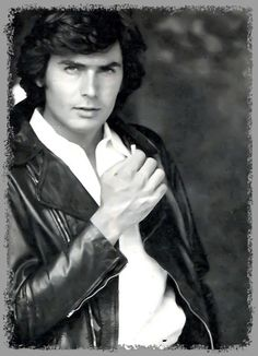 Franco Gaspari Jon Bon Jovi, Black And White Portraits, Mans World, Belle Epoque, Haircuts For Men, Romans, Bad Boys, Jon Snow, Beautiful People