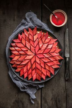 An unbelievable rhubarb tart in a snowflake, star pattern. Baking goals for pies.- unbelievable rhubarb tart in a snowflake, star pattern. Baking goals for pies… An unbelievable rhubarb tart in a snowflake, star pattern. Baking goals for pies and tarts. Rhubarb Recipes, Tart Recipes, Sweet Recipes, Dessert Recipes, Cooking Recipes, Rhubarb Desserts, Pastry Recipes, Sweet Pie, Sweet Tarts
