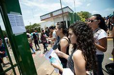 Estudantes em local de prova do Enem 2014: regra fica mais dura para quem faltar no exame de 2015 - Agencia Brasil