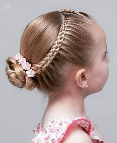 160 Braids Hairstyle Ideas for Little Kids 2019 - Page 98 of 160 - Soflyme : 160 Braids Hairstyle Ideas for Little Kids Cute Hairstyles For Kids, Little Girl Hairstyles, Popular Hairstyles, Pretty Hairstyles, Hairstyle Ideas, Kids Hairstyle, Simple Hairstyles, Short Hair Styles Easy, Short Hair Updo