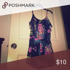 Romper, -Floral hawaiian print.                                             -Worn once.                                                           -Size-S Other