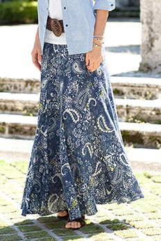 I JUST LOVE HOW THIS PAISLEY PRINT SKIRT FLOWS.