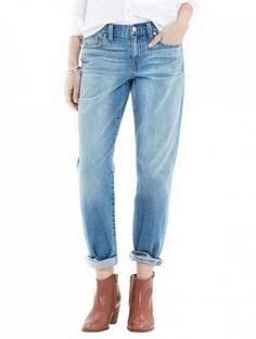 How to Make Your Boyfriend Jeans Look Sexy via @WhoWhatWear Madewell The Boyjean