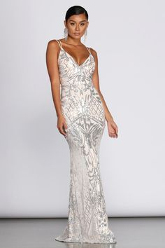 Explore gorgeous mermaid to trumpet dresses, ball gowns to long formal dresses from Windsor! Shop a large variety of flowing to fitted long dress styles. Metallic Formal Dresses, Formal Gowns, Mermaid Dresses, Bridal Dresses, Girls Dresses, Bridesmaid Dresses, Prom Dresses, Reception Dresses, Bridesmaids