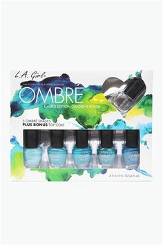 Ombre Nail Set -I love this idea and want to try it out on my toes to look like the shades of ocean water