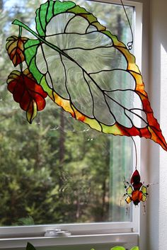 Google+ Stained Glass Patterns, Dragonfly Stained Glass, Fused Glass, Stained Glass Flowers, Stained Glass Designs, Mosaic Glass, Stained Glass Suncatchers, Stained Glass Windows, Leaded Glass