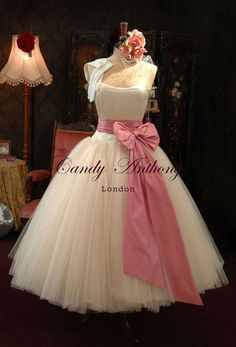 bridal with pink bow