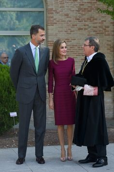 King Felipe VI of Spain (L) and Queen Letizia of Spain (C) attend the opening of the University Year at the Fabrica de Armas Campus on September 30, 2014 in Toledo, Spain.