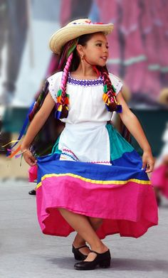 A young Mexican dancer.