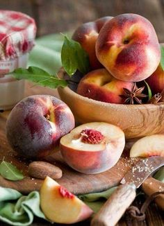 Health benefits of peach fruit include relief from hypokalemia cancer obesity cholesterol blood stasis and neurodegenerative diseases. It helps in maintaining healthy vision skin care nervous system healthy bones and teeth. It has anti-aging prope Fruit And Veg, Fruits And Vegetables, Fresh Fruit, Fruit Photography, Beautiful Fruits, Peach Trees, Just Peachy, Delicious Fruit, Berries