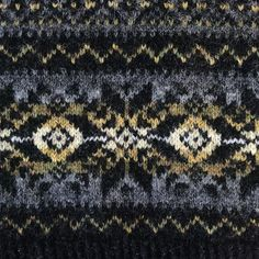 Happy Fair Isle Friday! I will be teaching some classes on Fair Isle knitting at the Edinburgh Yarn Festival in March 2018 including Playing with Colour. The timetable is over on the EYF website - booking open tomorrow! For details see the link in their profile @edinyarnfest P.s. This pattern will be released hopefully later in the year #fairislefriday #fairisleknitting