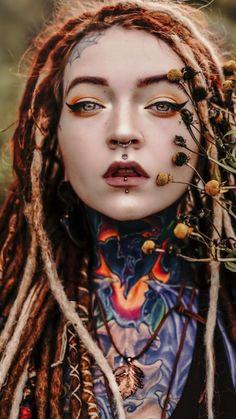 Si sus ojos hablarán…un que dirian - Tattoo Arts Tattoo Girls, Girl Tattoos, Piercing No Rosto, Et Tattoo, Dreads Girl, Goth Makeup, Body Modifications, Photo Reference, Fantasy Girl