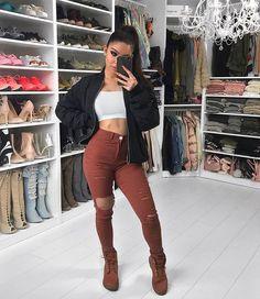 """15.8k Likes, 96 Comments - Amanda Khamkaew (@amandakhamkaew) on Instagram: """"Simple Jeans from @windsorstore"""""""