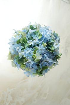 ラウンドブーケ 青い夏のブーケ 目黒雅叙園様へ : 一会 ウエディングの花