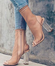 Shoes Collection - Casual Fashion Trends Collection. Love them All. The Best of high heels in 2017.