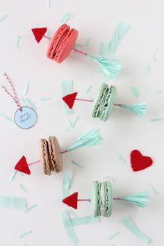 DIY Valentine Arrow Cookie Picks | sugarandcloth.com