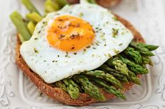 EGG AND ASPARAGUS SNACKS