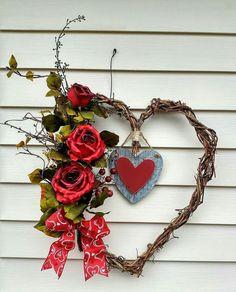Wreath Ideas Door Wreaths Heart Shapes Fl Design Fls