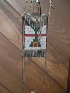 Tradicional lakota and cheyenne artifacts on pinterest for Cheyenne tribe arts and crafts