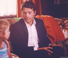 AU where Cas is actually awkward around children but Jimmy is his inside voice and tells him what to do Supernatural Season 10, Supernatural Pictures, Best Tv Shows, Favorite Tv Shows, Picture Watch, Winchester Boys, Two Brothers, Raining Men, Misha Collins