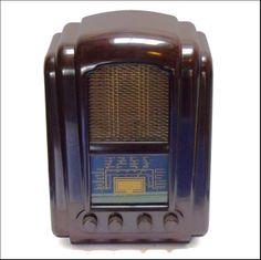 TV & RADIO - Ferranti 145 Bakelite Radio.