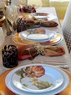 Sunlit Thanksgiving table | Using copper accents and painted letters to create a sunlit Thanksgiving tablescape | #Designthusiasm
