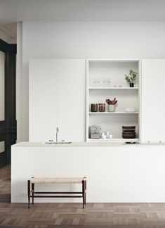 Outstanding modern kitchen room are readily available on our web pages. Read more and you wont be sorry you did. Minimal Kitchen Design, Minimalist Kitchen, Interior Design Kitchen, Minimalist Style, Minimalist Design, Modern Interior, Kitchen Designs, Farmhouse Style Kitchen, Modern Farmhouse Kitchens
