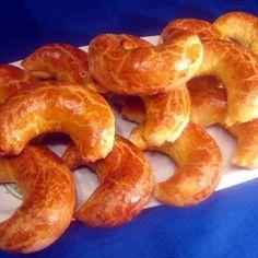 Egy finom Pozsonyi kifli (patkó) ebédre vagy vacsorára? Pozsonyi kifli (patkó) Receptek a Mindmegette.hu Recept gyűjteményében! Hungarian Cake, Hungarian Recipes, Hungarian Food, Onion Rings, Sausage, Muffin, Sweets, Baking, Ethnic Recipes
