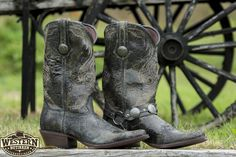 Cowboy Boots, Shoes, Fashion, Moda, Zapatos, Shoes Outlet, Fashion Styles, Shoe, Western Boot