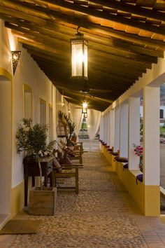 Herdade do Sobroso Country House Hotel Portugal, Outdoor Spaces, Outdoor Living, Portuguese Culture, British Colonial, Classic House, Rustic Style, Country Decor, House Colors