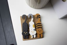 Set of 3 cute wooden cat pegs / clips, kawaii, design, craft, display decoration