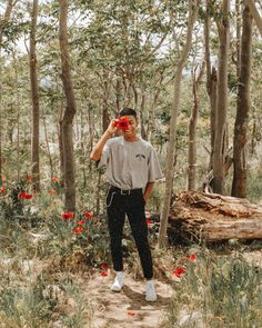 See more of alexgowon's content on VSCO. Photography Poses For Men, Fashion Photography, Aesthetic Fashion, Aesthetic Clothes, Retro Outfits, Vintage Outfits, Cool Poses, Best Portraits, Photo Instagram