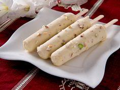 Glace indienne #kulfi : pistache, lait, crème, cardamome, eau, essence d'amande amère, amande