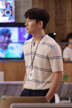 Melting Me Softly-KDrama_id-Ji Chang-wook_Subtitle Ji Chang Wook Smile, Ji Chan Wook, Lee Dong Wook, Asian Actors, Korean Actors, Dramas, Korean Celebrities, Celebs, Suspicious Partner Kdrama