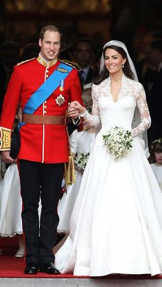"""#InStyle THE BEST DRESSED CELEBRITY BRIDES Kate MiddletonOver 2 billion people watched the royal wedding on April 29, 2011, and Kate Middleton didn't disappoint. For her walk down the aisle, the new Duchess of Cambridge wore a gown designed by Sarah Burton of Alexander McQueen. """"Miss Middleton worked closely with Sarah Burton in formulating the design of her dress,"""" the Clarence House said. The hand-cut English lace and French Chantilly lace dress was paired with matching Alexander McQueen…"""