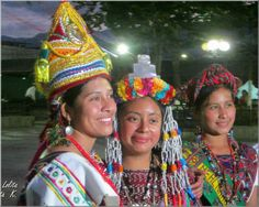 Reinas de Rabinal en Baja Verapaz,Guatemala - foto por Lolita Kato