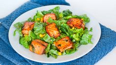Eating healthy doesn't have to be boring! If you're looking for an exciting and delicious salad recipe, this is the one to try! Avocado salmon salad.