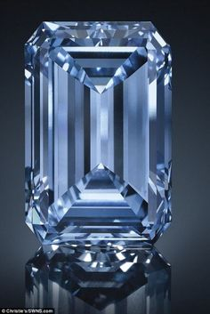 Christie's - The Oppenheimer Blue. At carats, the breathtaking Oppenheimer Blue - named after Sir Philip Oppenheimer of De Beers fame, is the largest Fancy Vivid Blue ever to come to auction. Diamond Gemstone, Gemstone Colors, Diamond Jewelry, Gemstone Jewelry, 4 Diamonds, Colored Diamonds, Minerals And Gemstones, Crystals Minerals, Pinterest Instagram