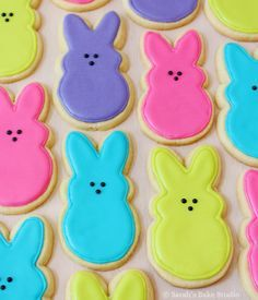 PEEPS Bunnies Decorated Cutout Cookies Cutout cookie ideas for favors cookies Gallery - Sarah's Bake Studio Fancy Cookies, Cut Out Cookies, Iced Cookies, Cute Cookies, Easter Cookies, Cookies Et Biscuits, Holiday Cookies, Summer Cookies, Drop Cookies