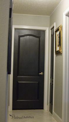 LIKe the idea of dark doors & white trim.black interior doors with white trim and gray walls Grey Walls White Trim, Gray Walls, White Trim Wood Doors, Dark Doors, Black Interior Doors, Painting Interior Doors, Apartment Interior, Interior Shop, Interior Design