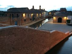 Comacchio by night, Emilia-Romagna, Italy | Vear Hausing www.vear.it