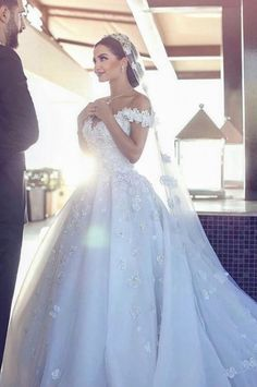 Ball Gown Wedding Dresses ❤ See more : http://bugelinlik.com/en/wedding-dresses/ball-gown/