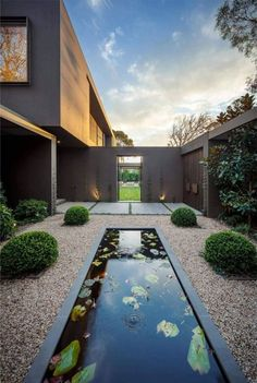 Best Ideas For Modern House Design & Architecture : – Picture : – Description Stunning linear water feature in a contemporary feature garden Design Exterior, Modern Exterior, Facade Design, Exterior Paint, Modern Architecture House, Interior Architecture, Interior Staircase, Landscape Architecture, Casa Patio