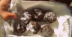 Μια συνταγή που όταν την πρωτοέφτιαξα έκανε πάταγο  στα άτομα που την δοκίμασαν!  Σήμερα την μοιράζομαι μαζί σας για να εντυπωσιάσετε ... Tasty Bites, Christmas Treats, Oreo, Muffin, Cooking Recipes, Cookies, Chocolate, Breakfast, Sweet