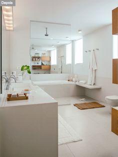 Banheiro com claridade e ocupação mais inteligente do espaço