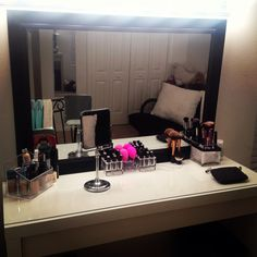I love this mirror for a make up battle station.. :)